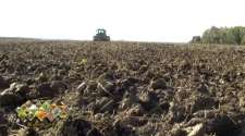 Ratari se okreću sigurnijoj proizvodnji – u jesenjoj sjetvi dominira pšenica /VIDEO/