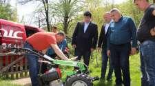 Lopare: Načelnik Savić posjetio porodice koje koriste donacije
