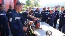 Ugljevik: Vatrogasna jedinica dobila hidraulični alat za spasavanje u udesima
